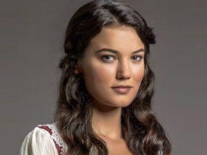 Vatanım Sensin - Pınar Deniz - Yıldız Kimdir?