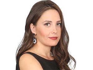 Elif - Selin Sezgin - Melek Özer Kimdir?