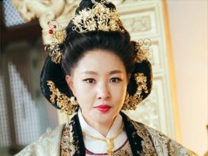 Aşka Yolculuk - Park Ji-young - Kraliçe Dowager Yoo