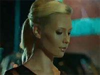 Beyaz Karanfil - Chloe Loughnan - Berrak