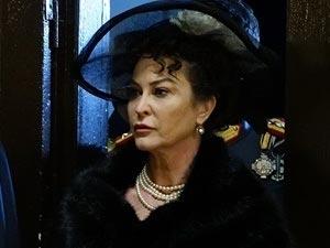 Vatanım Sensin - İpek Tenolcay - Kraliçe Sofia Kimdir?